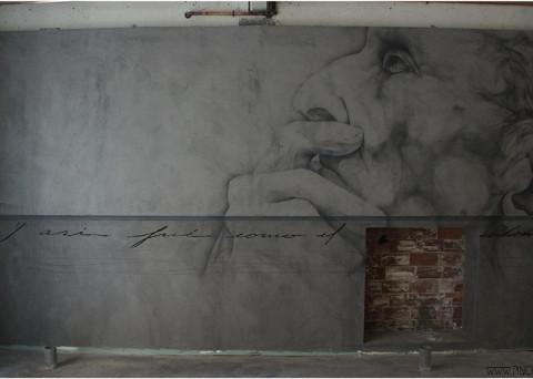 Retrato masculino en spray por pinche en el clandestino gastrobar