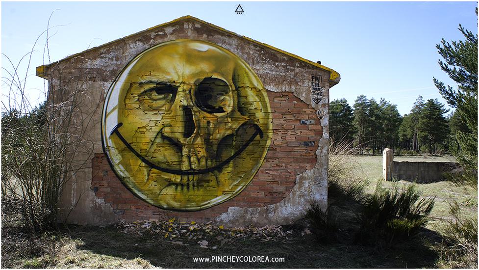 graffiti Happy face cráneo